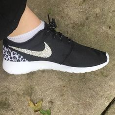 c1c9c2ae186652 Megan Kendrick added a photo of their purchase Nike Shox