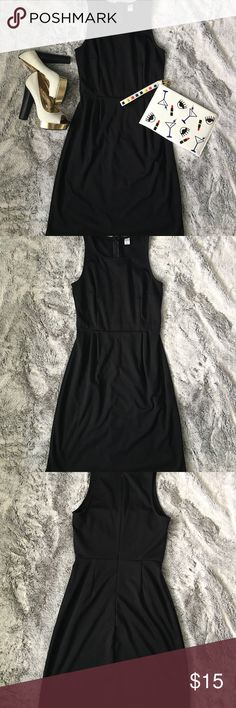 Old Navy little black dress Old Navy LBD. EUC. Stretchy, very comfortable material! Dress it up or dress it down! Old Navy Dresses Midi