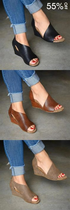 Mensootd is filled with the season's hottest trends, available in all sizes. You can buy the trendy fashion shoes, clothing and bags here. Enjoy your shopping journey now! Comfy Shoes, Cute Shoes, Comfortable Shoes, Me Too Shoes, Casual Shoes, Womens Shoes Wedges, Wedge Sandals, Strappy Shoes, Shoes Heels Wedges