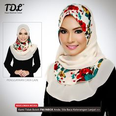 2 ways of donning this flower design shawl. Preettyyy Head Scarfs, Neck Scarves, Muslim Fashion, Hijab Fashion, Fashion Cover, Turbans, Mode Hijab, Modest Dresses, Marshmallow