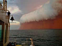 Tormenta de polvo en el océano Índico, cerca de Onslow, Australia.