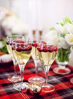 Champagne and Cranberries for a winter wedding
