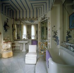 House of Windsor, Paris - The fabulous trompe l'oeil pavilion in the Duchess of Windsor's bathroom was conceived and painted by Russian emigre artist Dimitri Bouchene