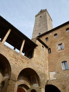 """""""Palazzo del Popolo"""", San Gimignano Italia (Marzo)"""