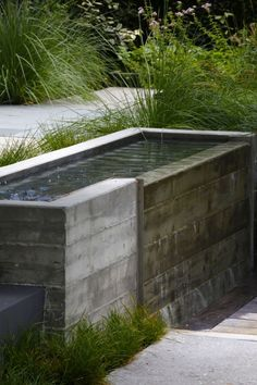 Resultado de imagem para water feature modern cement