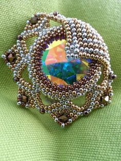 Leia Pendant beaded by Heike Schwelm. Beautiful! Thank you for sharing!