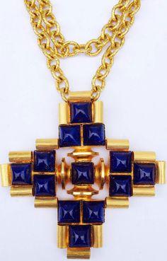 William de Lillo - Collier 'Croix' - Métal Doré et Cabochons Façon Lapis Lazuli - 1970