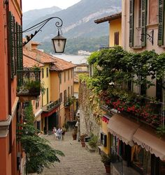 10 Most Breathtaking European Small Towns - BELLAGIO, Lake Como, Italy  - with tips