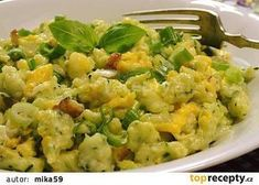 Zucchini gnocchi with eggs on bacon - Zucchini gnocchi with eggs on bacon - Bacon Zucchini, A Food, Food And Drink, Guacamole, Potato Salad, Low Carb, Healthy Eating, Pumpkin, Vegetarian