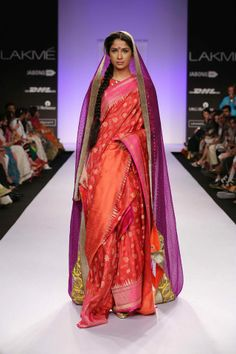 Have you always fantasised yourself in a divine Red Banarasi wedding saree on your big day? So, here we are with a list of red Banarasi sarees to make you look and feel like a queen. Read and pick your own style. Lakme Fashion Week, India Fashion, Fashion 2017, Asian Fashion, Fashion Weeks, Bridal Sari, Saree Wedding, Indian Bridal, Indian Dresses
