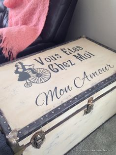 DIY French Typography Trunk Makeover (as seen in Somerset Home magazine) #chalkpaint