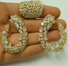 Real Diamond Earrings, Diamond Jewelry, Gold Jewelry, Jewelery, Jewelry Bracelets, India Jewelry, Jewelry Sets, Jewelry Accessories, Designer Jewelry