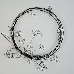 Garden art Floral Wire Wreath, New home gift, wall art, garden art Art Floral, Deco Floral, Wire Wall Art, Metal Tree Wall Art, Metal Art, Wire Art Sculpture, Garden Sculpture, Wire Sculptures, Art Fil