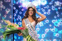 Mariana Jiménez Miss Venezuela 2014/Coronada el 09 de octubre en el Estudio 1 de Venevision. Vestido del diseñador Raenrra.