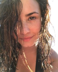 Demi Lovato natural beauty
