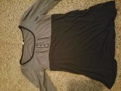 Size:XL <br>Color:GREY  <br>Material: COTTON <br>Condition: GOOD <br>Brand: RUE 21  <br>If interested give me a text or email
