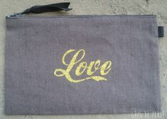 « Pochette anthracite LOVE or » (11,20 €)