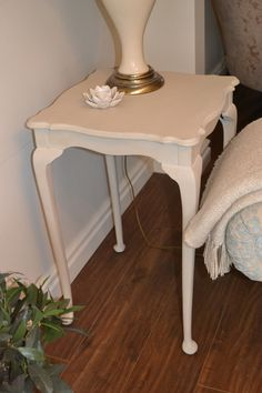 This side table is more chic than shabby!