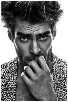 Jon Kortajarena Poses for L'Officiel Hommes Thailand Editorial Jon Kortajarena, Portrait Photography Men, Photography Poses For Men, Beauty Photography, White Photography, Book Modelo, Shooting Studio, Men Photoshoot, Hommes Sexy