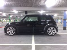 Dare wheels Electric Car Buying Guide analyzes the latest trends in the Electric Car segment and features the Top Recommended 2018 Electric Car. Mini Cooper Custom, 2005 Mini Cooper, Pink Mini Coopers, Mini Coper, Best Hybrid Cars, Car Buying Guide, John Cooper Works, Mini Clubman, Small Cars