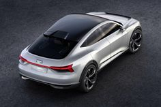 Audi reveals E-Tron Sportback, capable of reaching in just seconds and a range of 310 miles. Audi E-tron Sportback concept, presented at the Shanghai… Electric Car Concept, Electric Cars, Concept Auto, Shanghai, Carros Audi, Solar Roof, Audi A3 Sportback, Audi Cars, Audi Audi