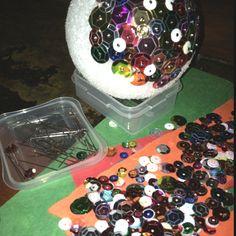 Cute kid craft idea for a Christmas ornament!