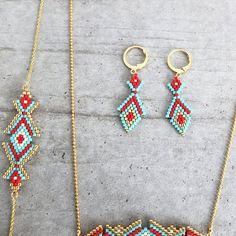 Items similar to Oriental style beaded earrings, japanese delica beads, thin gold plated finding on Etsy Bead Jewellery, Seed Bead Jewelry, Seed Bead Earrings, Beaded Earrings, Beaded Jewelry, Beaded Bracelets, Loom Beading, Beading Patterns, Jewelry Making Classes