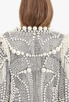 Fashion Women S Quartz Watches Info: 9590474247 Beaded Jacket, Embroidered Jacket, Embellished Jackets, Sequin Jacket, Couture Details, Fashion Details, Fashion Design, Balmain Collection, Pearl Embroidery