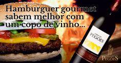 Um hamburguer ganha uma nova dimensão quando bem acompanhado! Sugerimos o Adega de Pegões Tinto  http://cooppegoes.pt/pt/adega-de-pegoes-tinto/ #adegadepegoestinto