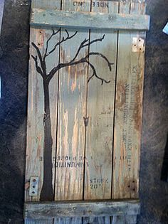 Add handprint leaves - painting on ammo box Scrap Wood Projects, Diy Projects To Try, Art Projects, Woodworking Projects, Woodworking Plans, Pallet Crafts, Pallet Art, Wood Crafts, Pintura Country