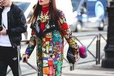 "How French Girls Do Street Style For Fashion Week  ""I just want a Picasso, in my casa, on my coat...""#refinery29  http://www.refinery29.com/2016/03/105661/paris-fashion-week-fall-winter-2016-street-style-pictures#slide-34  ""I just want a Picasso, in my casa, on my coat...""..."