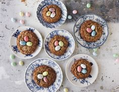 """Here's how to make Maman's """"Eggs in a Nest"""" vanilla oatmeal raisin cookies and more recipes to try!"""
