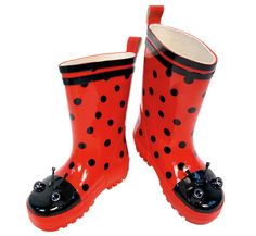 Lady bug boots by kidorable.  Gift for fall. (http://bluegiraffeboutique.com/products/kids-rain-boots-ladybug-kidorable.html)