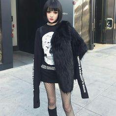 დ Kina Shen დ Hot Goth Girls, Gothic Girls, S Girls, Ulzzang Fashion, Ulzzang Girl, Modern Fashion, Gothic Fashion, Kina Shen, Edgy Outfits