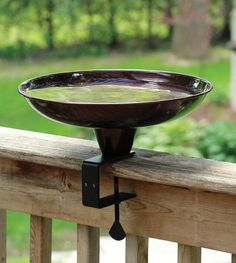 Enjoy close-up views of your birds preening and bathing with this sleek deck-mounted bird bath. Features an adjustable clamp to fit most deck rails, constructed of durable powder coat steel for lastin