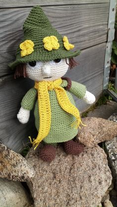 Mumi, Crochet Dolls, Crochet Hats, Halloween Stuff, Amigurumi Doll, Crochet Animals, Doll Toys, Dinosaur Stuffed Animal, Baby