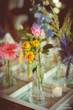 Love this ideas for table flowers