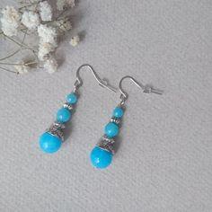 Boucles d'oreilles en pierres de jade couleur turquoise : Boucles d'oreille par jolivia