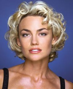 Picture of Kelly Carlson
