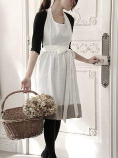 洋服のようなエプロン   *素敵リビング* by サラグレース