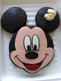 Gâteau Mickey au chocolat Baby Minnie Mouse Cake, Minnie Mouse Birthday Cakes, Mickey Mouse Cupcakes, Mickey Cakes, Mickey Birthday, Pastel Mickey, Dessert Cups, Cakes For Boys, Sweet Cakes