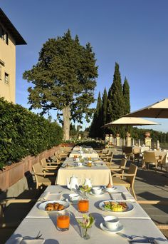 Assortita a buffet - Podere San Filippo Hotel Breakfast, Did You Eat, Recipe Of The Day, Buffet, Table Settings, Restaurant, Meals, Table Decorations, Healthy