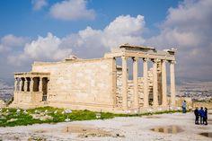Das Erechtheion ist der zweitgrößte Tempel der Akropolis. - er ist der Göttin Athene geweiht, Athen, Griechenland