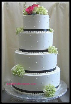 Wedding Cake with Swiss Dots | Flickr - Photo Sharing!