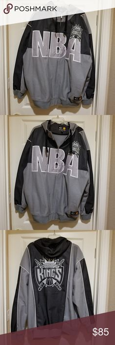93dcb5be095dd SACRAMENTO KINGS NBA JACKET SIZE XL COLOR- GREY SACRAMENTO KINGS NBA JACKET  SIZE XL COLOR- GREY AND BLACK BIGMAN SPORTS G-III NEVER WORN.