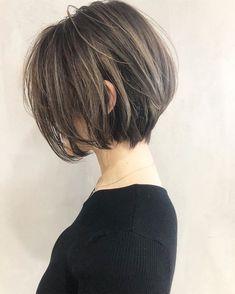 Pin by Naomi on ヘアスタイル in 2020 Short Bob Hairstyles, Pretty Hairstyles, Medium Hair Styles, Curly Hair Styles, Shot Hair Styles, Hair Arrange, Asian Hair, Great Hair, Beauty Photography