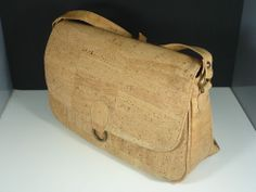 MEDIUM SHOULDER BAG WOMEN´S CORK NATURAL ORIGINAL GENUINE PORTUGUESE KORK LIÈGE