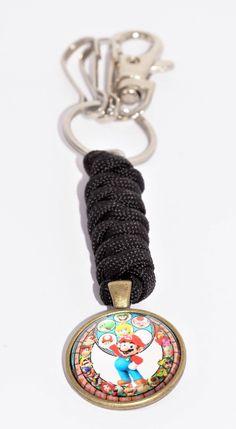 Porte-clés Mario Bros à personnaliser Mario Bros, Crochet, Key, Personalized Items, Goody Bags, Paracord, Pendant, Crochet Hooks, Unique Key