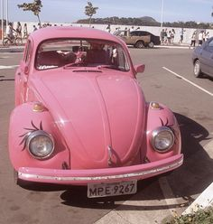 pink VW bug beetle ☆ my girly car Pink Love, Pretty In Pink, Hot Pink, Vintage Pink, Vintage Cars, Vw Modelle, Combi Ww, Girly Car, Girly Stuff