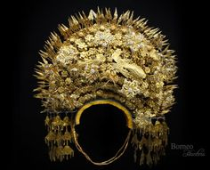 Vintage Antique Bridal Crown Headdress Sumatran Indonesia Ceremonial SUNTIANG Spectacular Head Piece Tribal / Flower / Peacock / by BorneoHunters on Etsy Hair Jewels, Crown Jewels, Headdress, Headpiece, Crown Drawing, Beach Wedding Inspiration, Hair Rings, Bridal Crown, Ancient Jewelry
